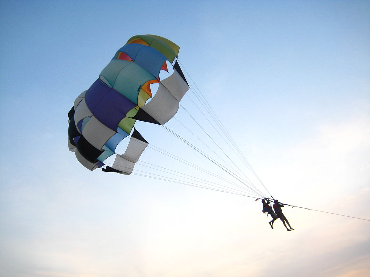 1200px-Parasailing_on_the_Calangute_beach,_Goa.jpg