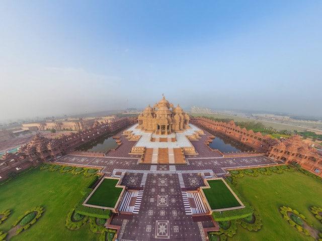Akshardham-temple-Delhi.