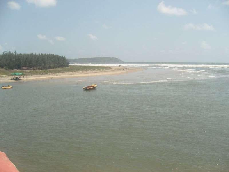Arey-Ware-Beach-in-Ganpatipule.jpg