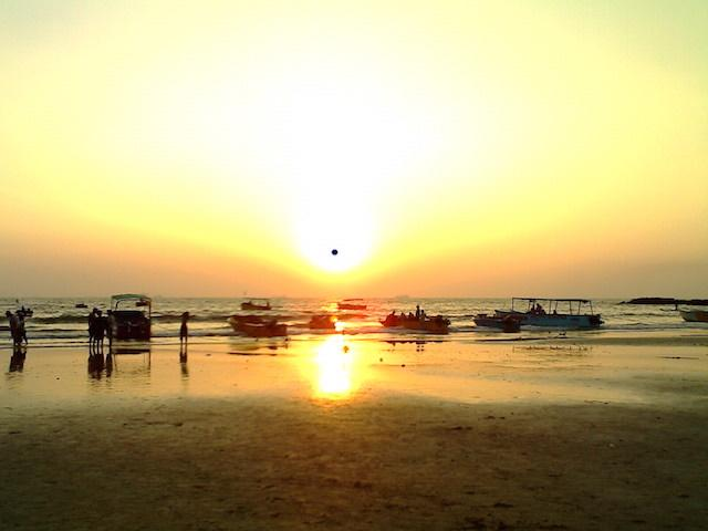 Baga-beach-Goa-Sunset.jpg