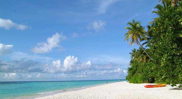 Biyadhoo Island, Maldives.jpg
