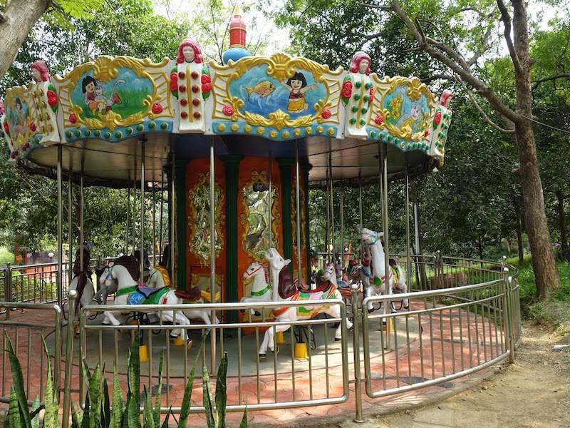 Carousel at kishkinta.