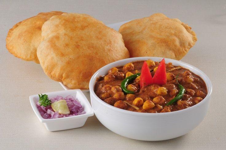 Chana-Bhatura-Bollywood-Restaurant-Brampton-Canada.jpg