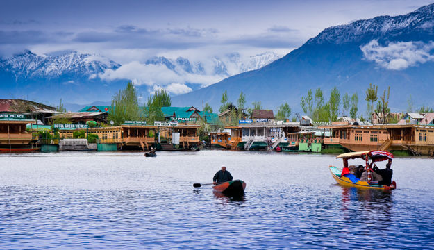 dal-lake-admirable-india1.jpg
