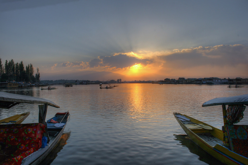 Dal-Lake-in-Srinagar.jpg
