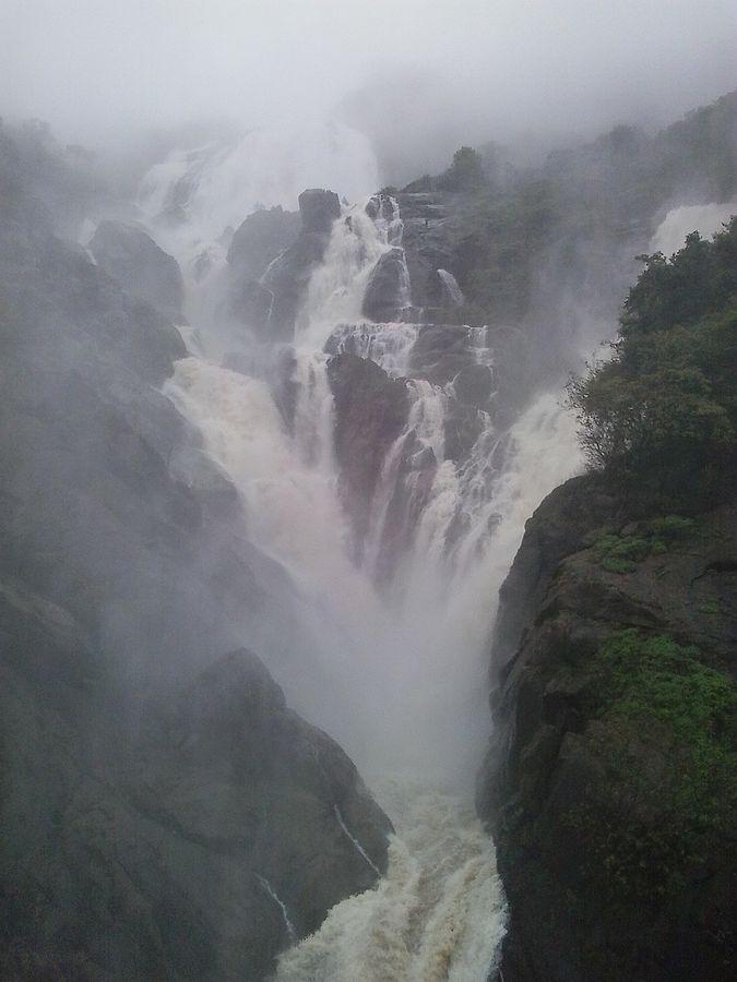 Doodhsagar_Waterfalls.