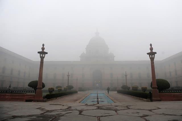 Fog-in-Delhi.