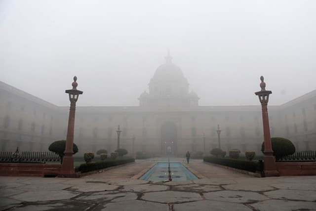 Fog-in-Delhi.jpg