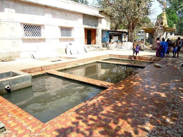 hot spring Maharashtra.
