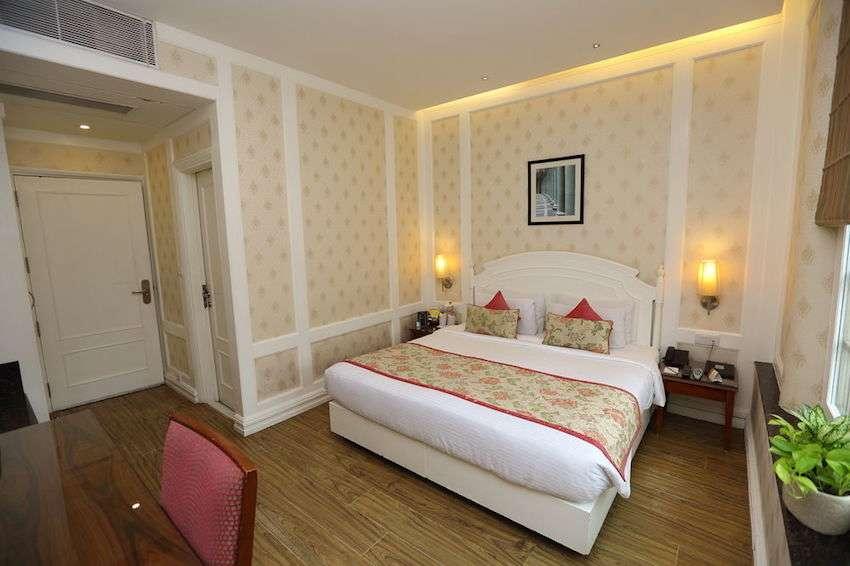 Hotel-Bright.jpg