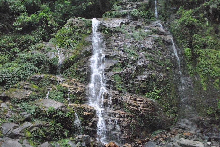 Kanchenjunga Waterfalls.jpg