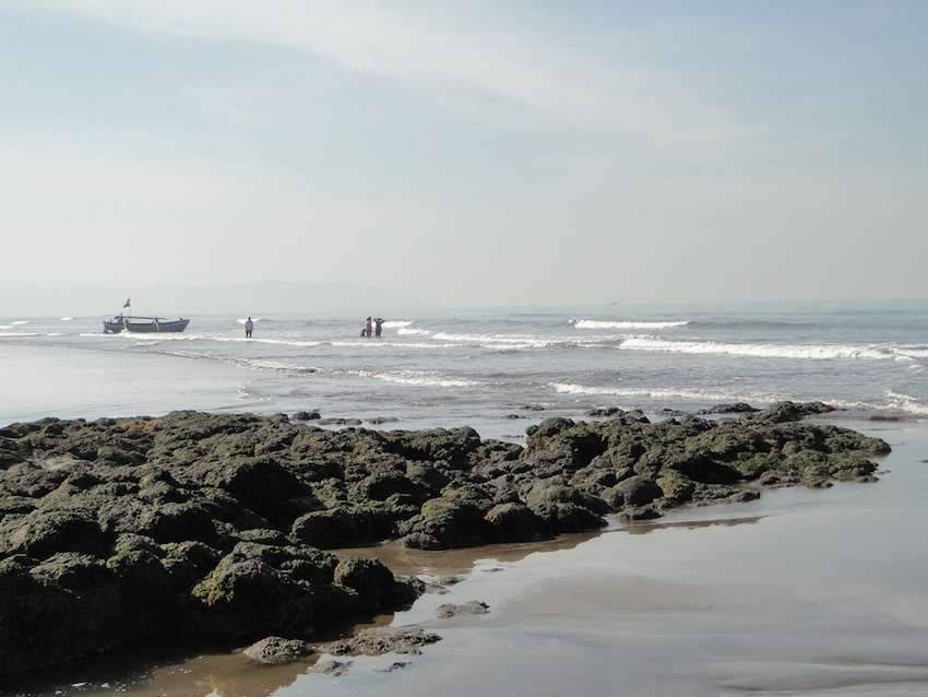 Karde-beach-dapoli.jpg