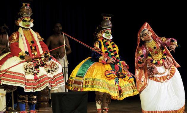 KATHAKALI-DANCE-KERALA.jpg