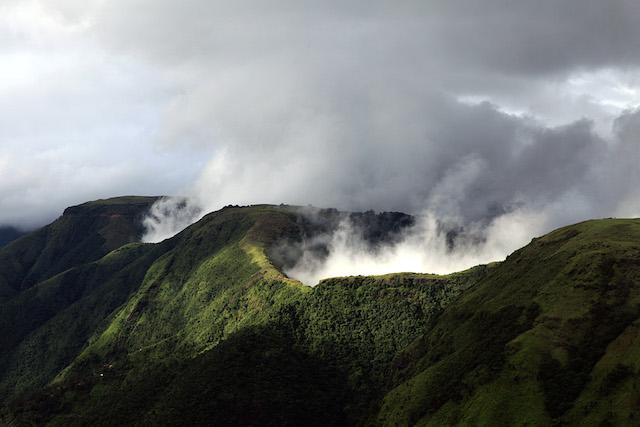 meghalaya hills cloud.