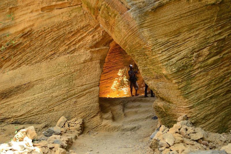Naida Caves.