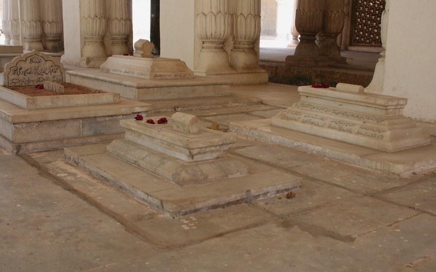 Paigah Tomb Complex.jpg