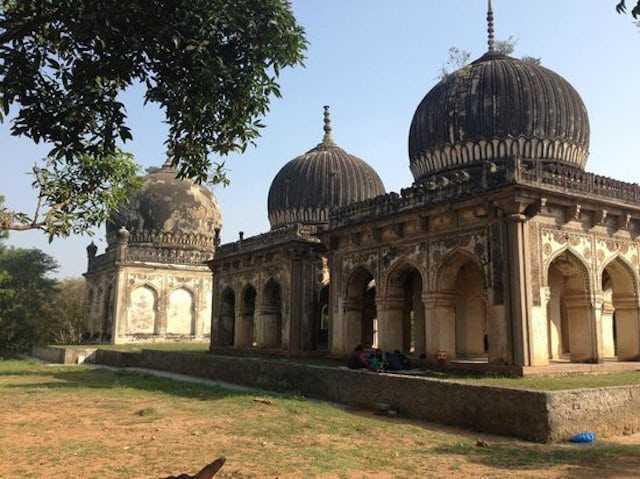 Qutub-Shahi-Tombs-in-Hyderabad.