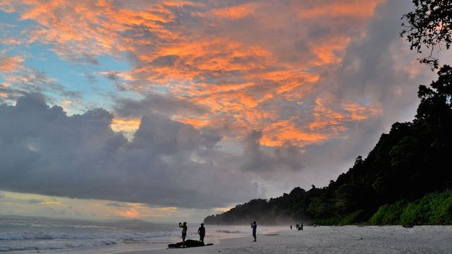 Radha Nagar Beach at Dusk, Andaman.jpg