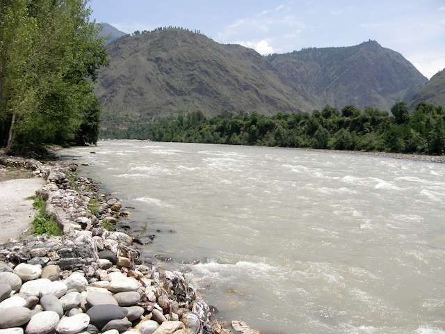 river at manali.jpg