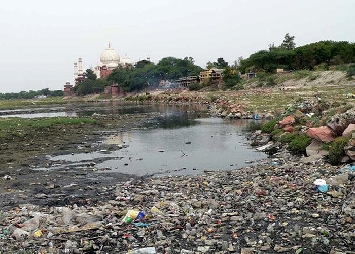 river-yamuna-behind-Taj-Mahal.jpg