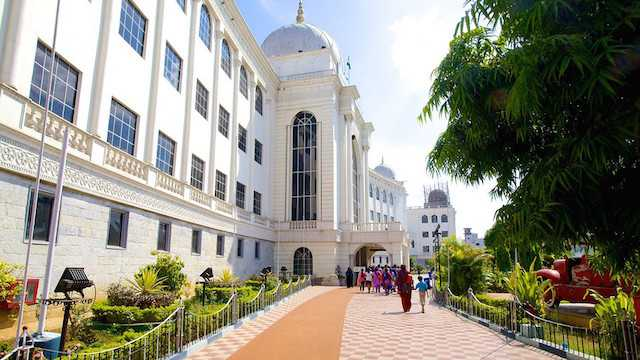 Salar-Jung-Museum-in-Hyderabad.