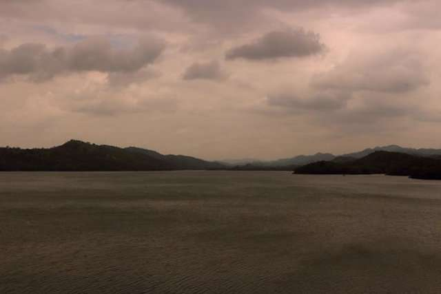 Sardar-Sarovar-Lake.