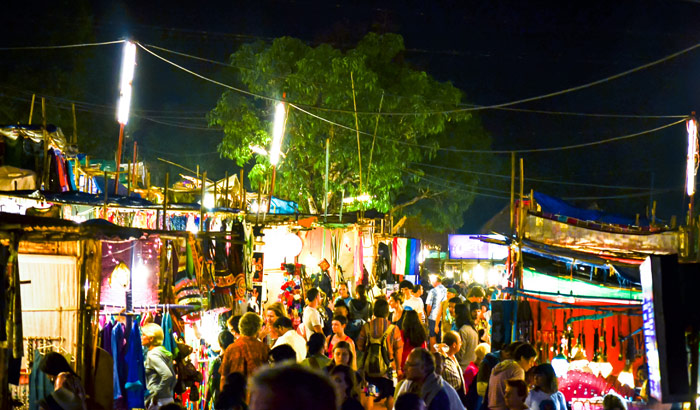 Saturday-Night-Market-in-Arpora-goa.jpg