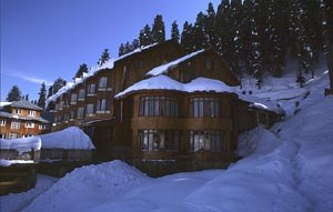 snow-house hotel and resturant at gulmarg.jpg