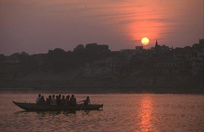 sunset at varanasi.jpg