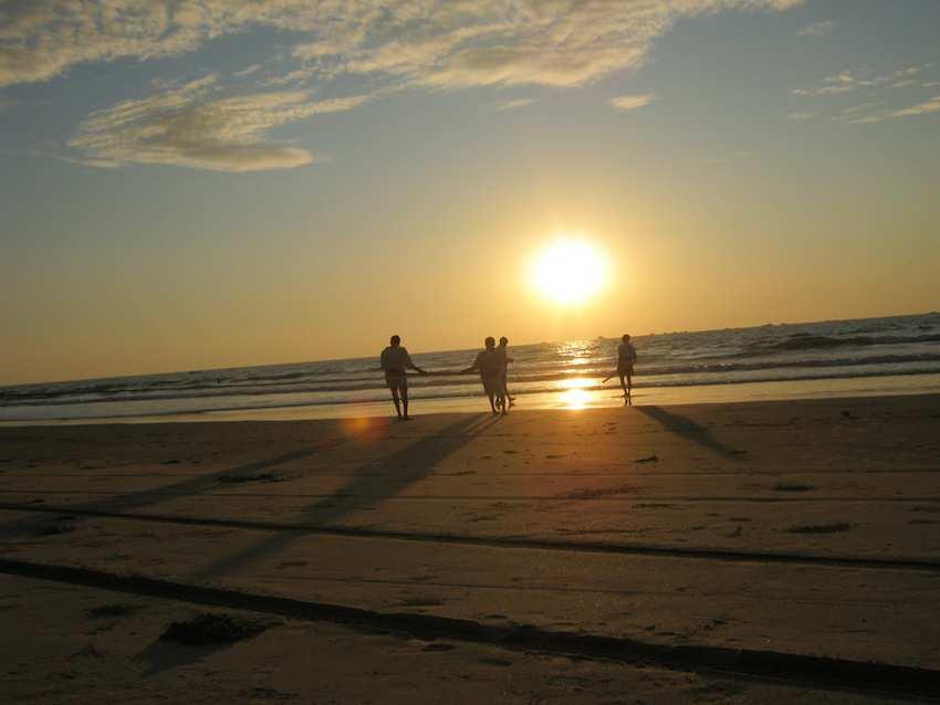 Tarkarli Beach in Maharashtra.jpg