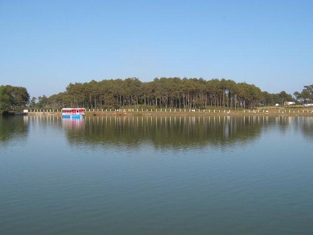 Thadlaskein Lake.
