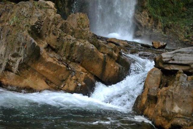 Tiger-Waterfalls-in-Chakrata.