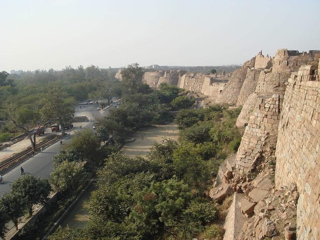 Tughlaqabad-fort.jpg