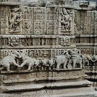 Dwarkadheesh Temple Sculptures - Image Credit @ Wikipedia