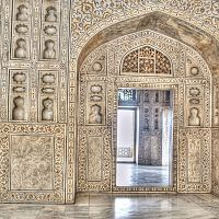 The Interior Decoration Of Agra Fort - Image Credit @ Wikimedia Commons